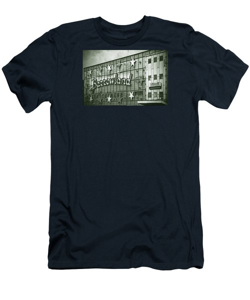 Barrowland Glasgow Men's T-Shirt (Slim Fit) by Liz Leyden