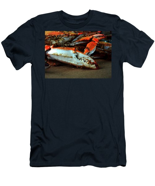Big Crab Claw Men's T-Shirt (Athletic Fit)