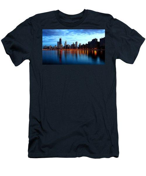 Chicago Skyline Dusk Men's T-Shirt (Athletic Fit)