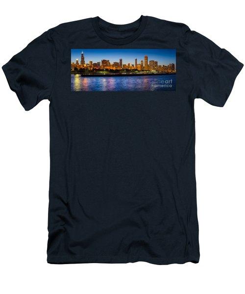 Chicago Skyline Men's T-Shirt (Athletic Fit)