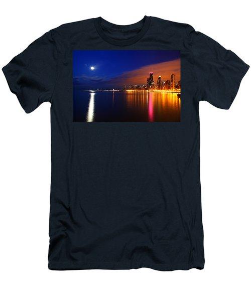 Chicago Skyline Moonlight Men's T-Shirt (Athletic Fit)