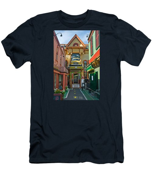 Dinks Taxi In Bar Harbor Men's T-Shirt (Athletic Fit)