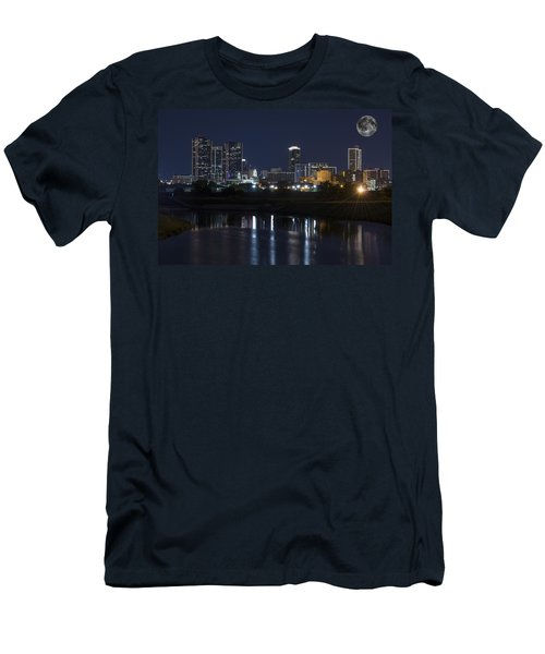 Fort Worth Skyline Super Moon Men's T-Shirt (Athletic Fit)