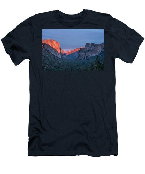 Golden Yosemite Men's T-Shirt (Athletic Fit)