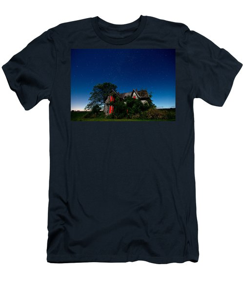 Haunted Farmhouse At Night Men's T-Shirt (Athletic Fit)