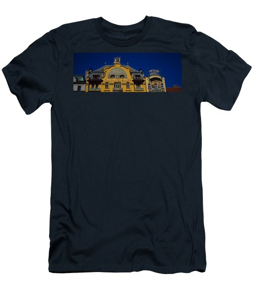 High Section View Of A Hotel, Grand Men's T-Shirt (Athletic Fit)
