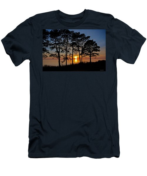 James River Sunset Men's T-Shirt (Slim Fit) by Suzanne Stout