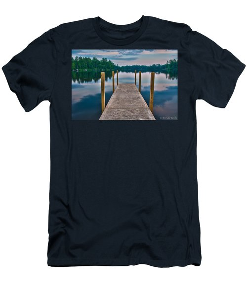 Lees Mills Dock Men's T-Shirt (Athletic Fit)