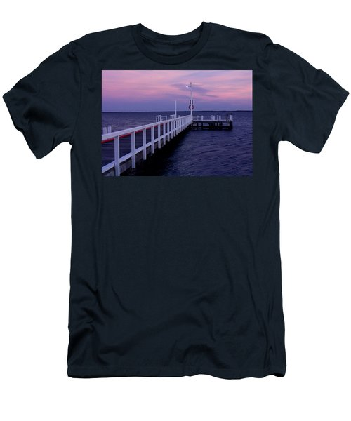 Manns Beach Jetty Men's T-Shirt (Athletic Fit)