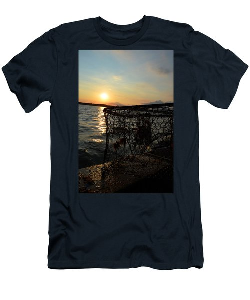 Maryland Crabber's Horizon Men's T-Shirt (Athletic Fit)