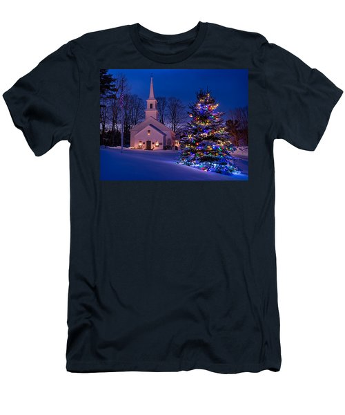 New England Christmas Men's T-Shirt (Athletic Fit)