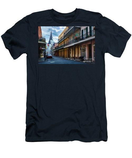 New Orleans Street Men's T-Shirt (Athletic Fit)