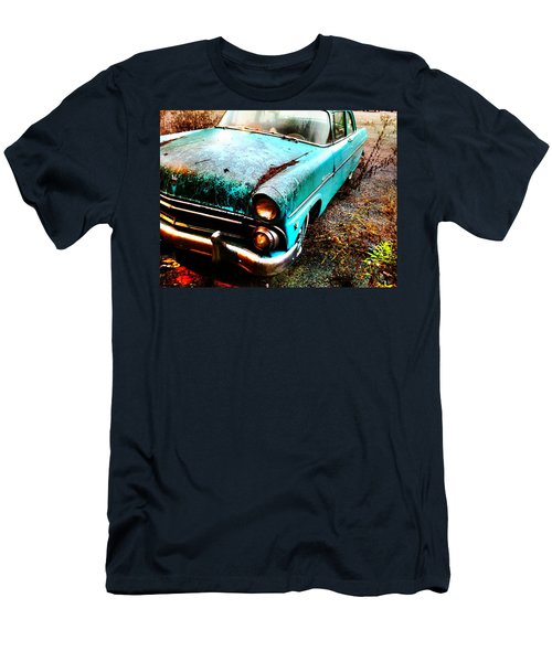 Old Car Men's T-Shirt (Athletic Fit)