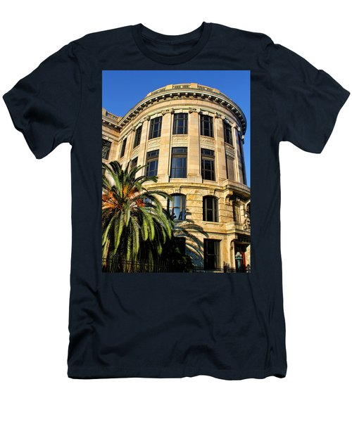 Old Courthouse-new Orleans Men's T-Shirt (Athletic Fit)