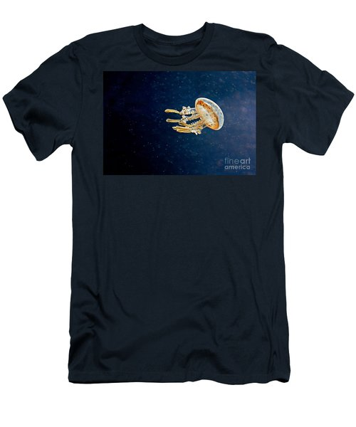 One Jelly Fish Art Prints Men's T-Shirt (Athletic Fit)