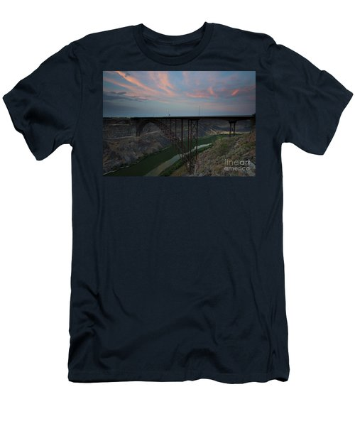 Perrine Bridge Sunset Men's T-Shirt (Athletic Fit)