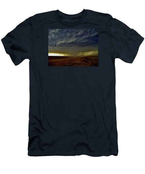 Men's T-Shirt (Slim Fit) featuring the photograph Perryton Supercell by Ed Sweeney