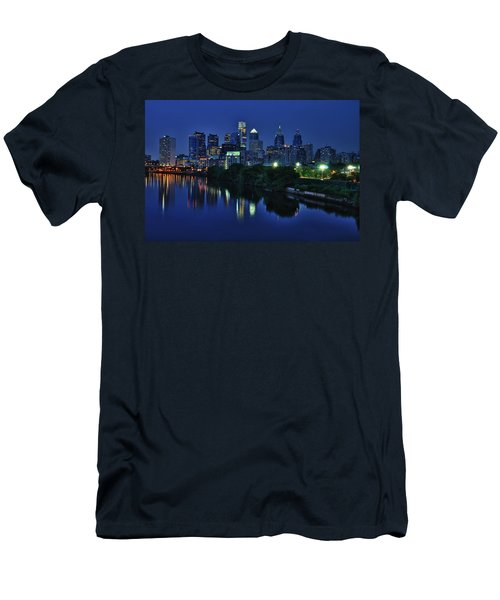 Philly Skyline Men's T-Shirt (Athletic Fit)