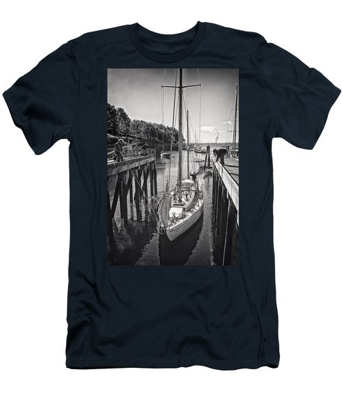 Rockport Harbor Men's T-Shirt (Athletic Fit)