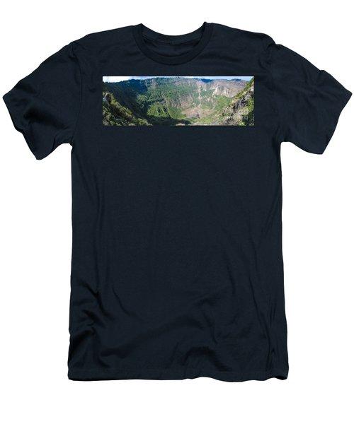 San Salvador Volcano Men's T-Shirt (Athletic Fit)