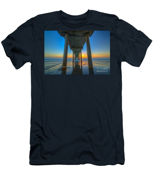 Scripps Pier Sunset Men's T-Shirt (Athletic Fit)
