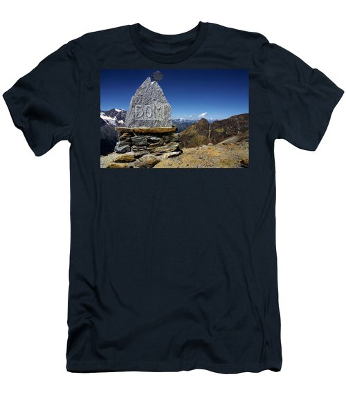 Statue The Dom Men's T-Shirt (Athletic Fit)
