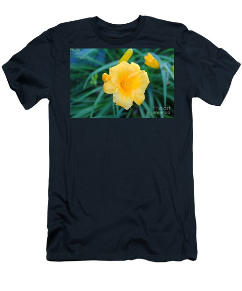 Stella De Oro Daylily Men's T-Shirt (Athletic Fit)
