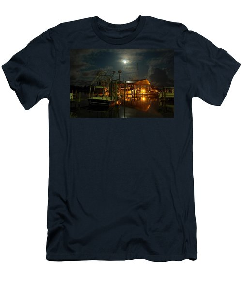Super Moon At Nelsons Men's T-Shirt (Athletic Fit)