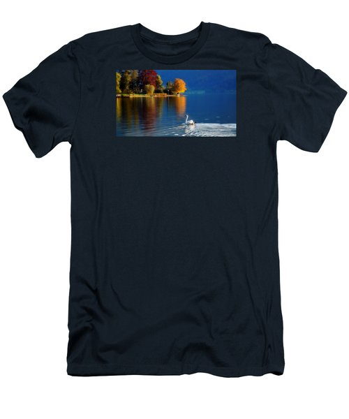 Beautiful Autumn Swan At Lake Schiliersee Germany  Men's T-Shirt (Slim Fit)