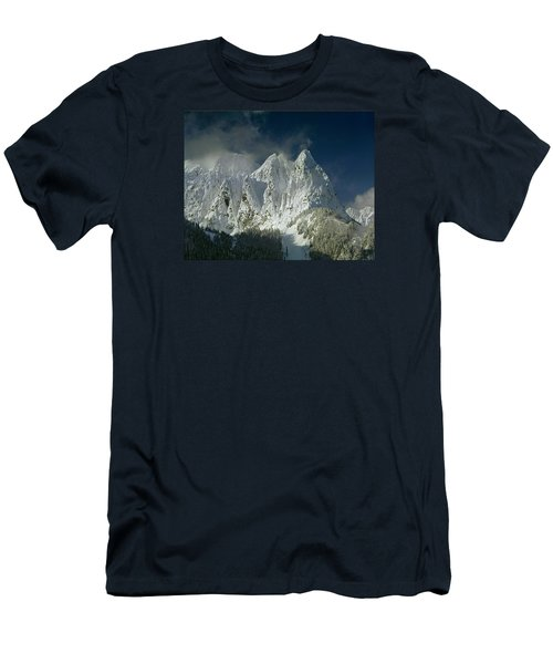 1m4503-three Peaks Of Mt. Index Men's T-Shirt (Athletic Fit)
