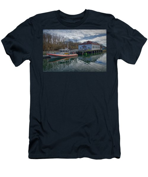 Usgs Castle Hill Station Men's T-Shirt (Athletic Fit)