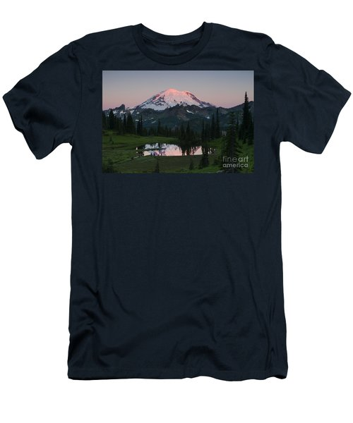 View To Be Shared Men's T-Shirt (Athletic Fit)