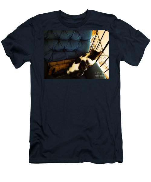 Watch Cat Men's T-Shirt (Athletic Fit)