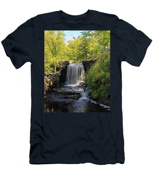 Water Fall Moore State Park 2 Men's T-Shirt (Athletic Fit)