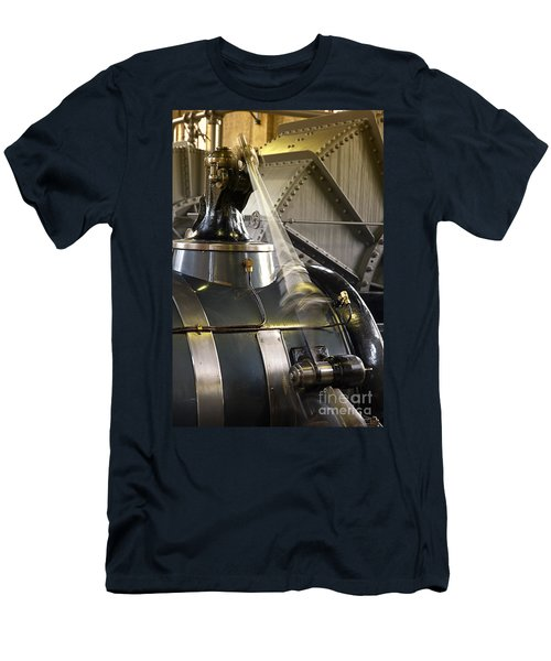 Woudagemaal Steam Engine. Men's T-Shirt (Athletic Fit)