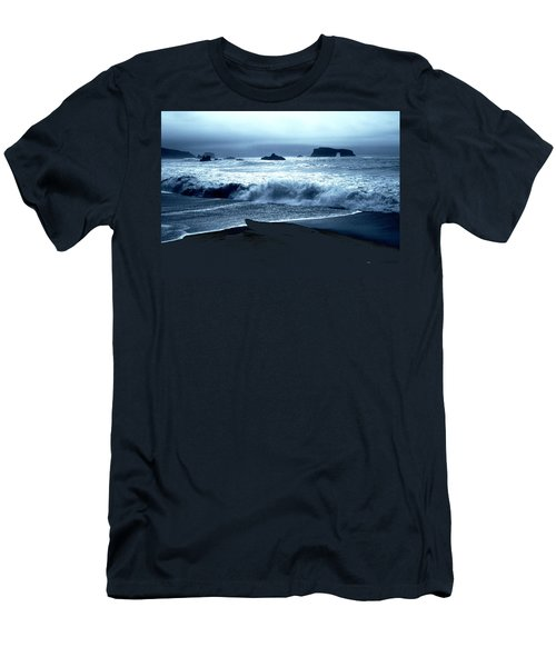 Arch Rock Northern California Coast Men's T-Shirt (Athletic Fit)
