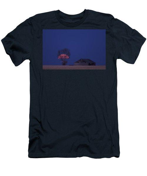 Night Shot Saskatchewan Canada Men's T-Shirt (Athletic Fit)