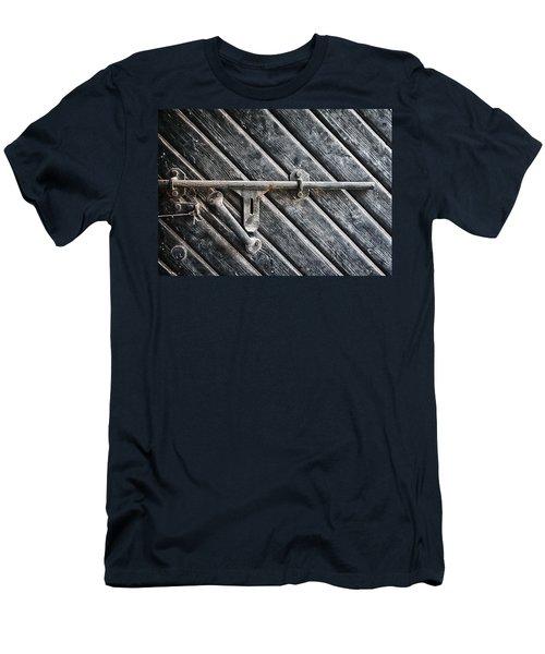Old Entrance Men's T-Shirt (Athletic Fit)