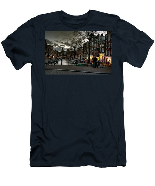 Prinsengracht And Spiegelgracht. Amsterdam Men's T-Shirt (Athletic Fit)
