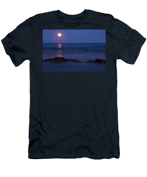 Wells Beach Maine Moonrise Men's T-Shirt (Athletic Fit)