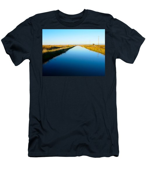 Biggs Canal Men's T-Shirt (Athletic Fit)