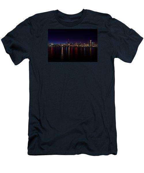 Chicago-skyline Men's T-Shirt (Slim Fit) by Richard Zentner