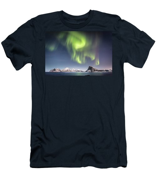 Curtains Of Light Men's T-Shirt (Slim Fit)