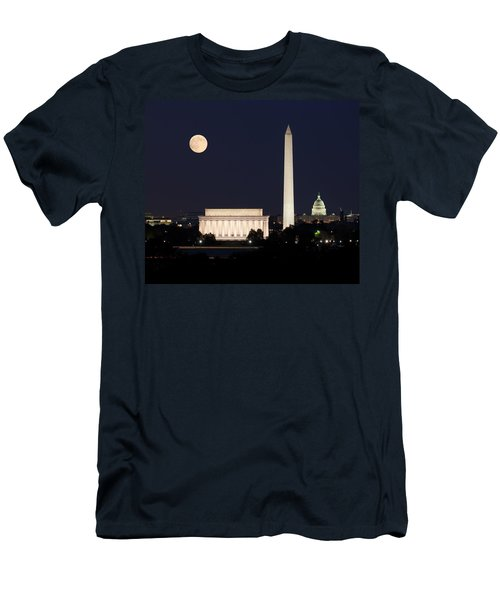 Moon Rising In Washington Dc Men's T-Shirt (Athletic Fit)