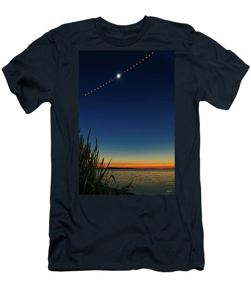 2017 Great American Eclipse Men's T-Shirt (Athletic Fit)