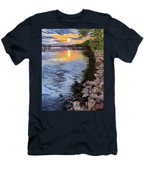 A Fraser River Sunset Men's T-Shirt (Slim Fit)