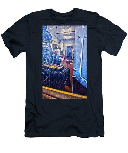 Alley Screen Door Men's T-Shirt (Athletic Fit)