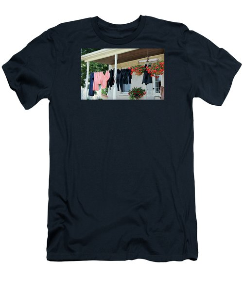 Amish Clothesline Men's T-Shirt (Athletic Fit)