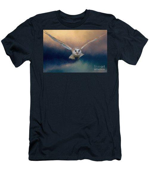 Barn Owl In Flight Men's T-Shirt (Athletic Fit)