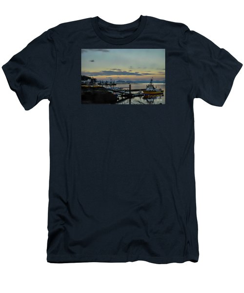 Bay View Men's T-Shirt (Athletic Fit)